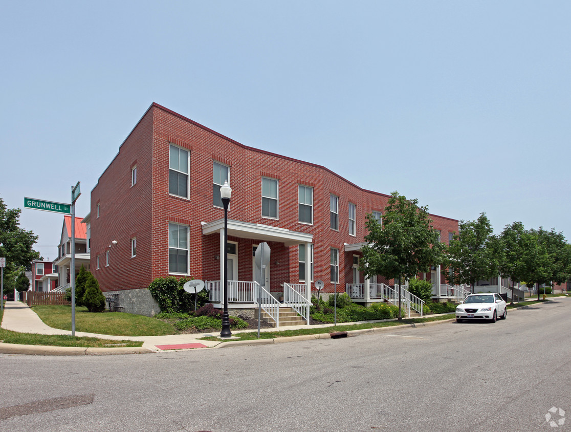 new-village-place-columbus-oh-primary-photo