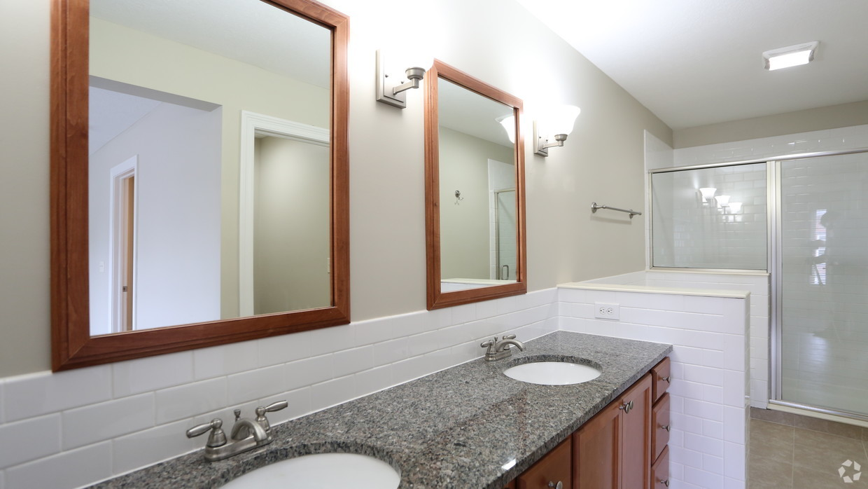 the-whitney-columbus-oh-bathroom---3br-25ba---1721-1831-sf